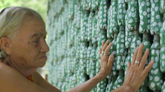 Haus aus der Pulle: Das Flaschenhaus von El Salvador